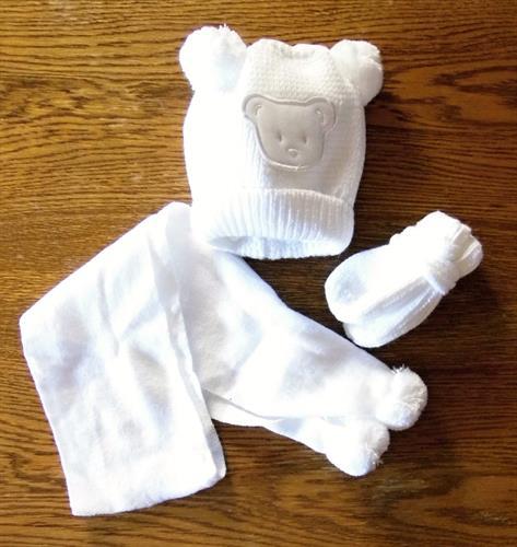 dívčí zimní čepička se šálou a rukavičkama - bílá