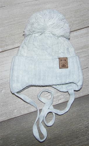 pletená čepice s bambulí - šedá