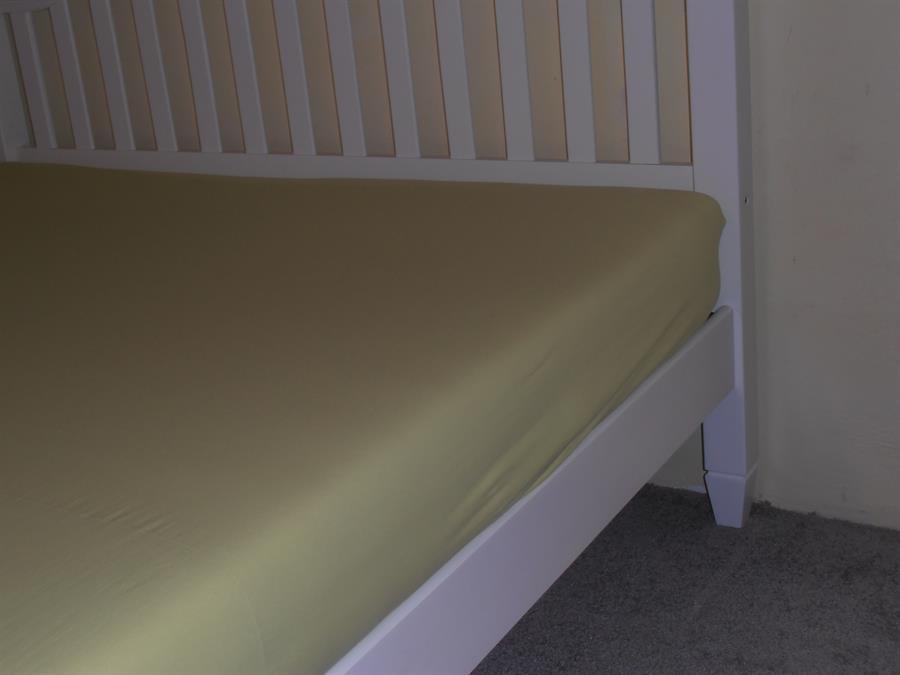 Jerseyové napínací prostěradlo dvoulůžko 180x200 bar.zelená