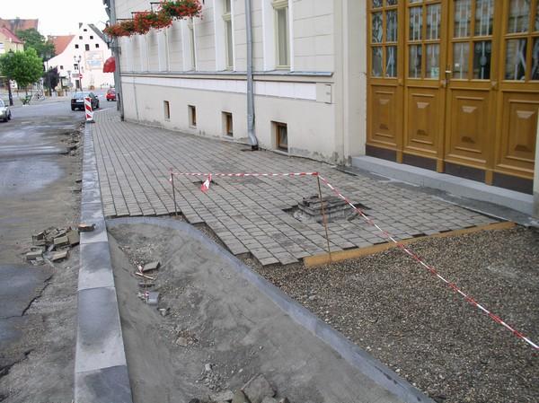 Položení dlažby v budově