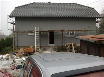 14 Fasáda-hotová,střecha komplet