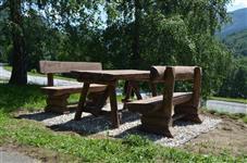 přírodní lavičky