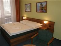 Dvoupokoj se dvěma oddělenými ložnicemi