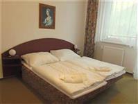 Suite - ložnice s manželskou postelí