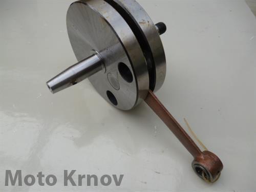 hřídel kliková - jehlové ložisko ( Pio 550,555 )